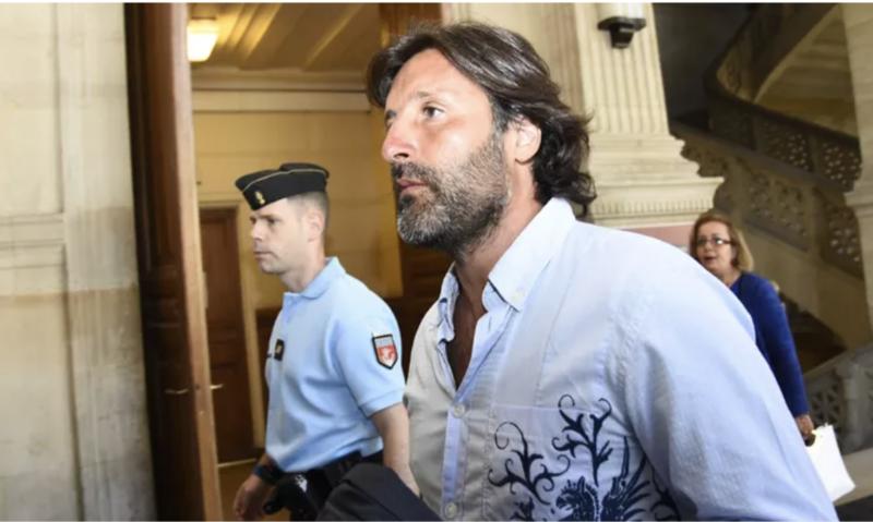 Arnaud Mimran lors de son arrivée au palais de justice de Paris, le 7 juillet 2016, dans le cadre du procès de l'arnaque à la taxe carbone. BERTRAND GUAY/AFP